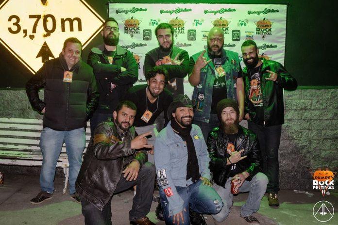 Os organizadores do festival de rock de Barbacena, que leva música de qualidade e solidariedade para instituições da cidade.
