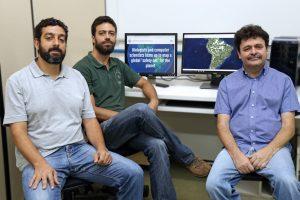 Os professores (da esq. para a dir.), Pedro Christo, Guilherme Oliveira e Elpídio Fernandes Foto: Daniel Sotto Maior-Divulgação