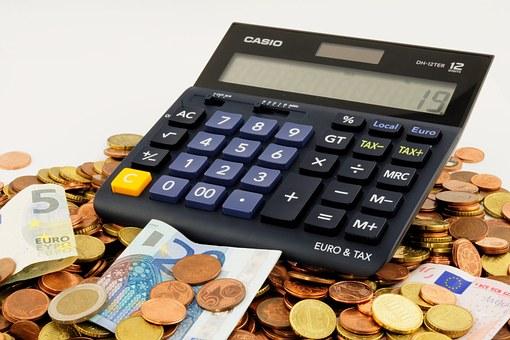 Serasa recomenda que antes de fazer a negociação com o credor, consumidor avalie qual o valor da parcela a ser paga que cabe em seu orçamento