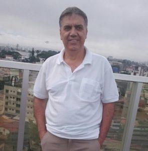 O professor Geraldo é o principal responsável pelo desempenho dos alunos da escola estadual Terezinha Pereira a Obmep.