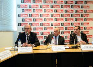 O vice-presidente da Fiemg, Lincoln Gonçalvez, o presidente da entidade, Olavo Machado (centro) e o economista-chefe Guilherme Veloso. Foto - Fiemg/Sebastião Jacinto