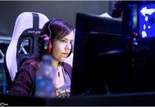 Raquel Ferreira, mais conhecida como SuriBH, decidiu fazer de sua paixão por jogos virtuais a sua profissao. Foto - Arquivo pessoal