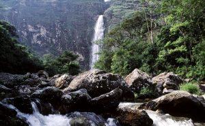 A cachoeira Casca D´Anta tem mais de 180 metros de altura e é uma das atrações do parque.