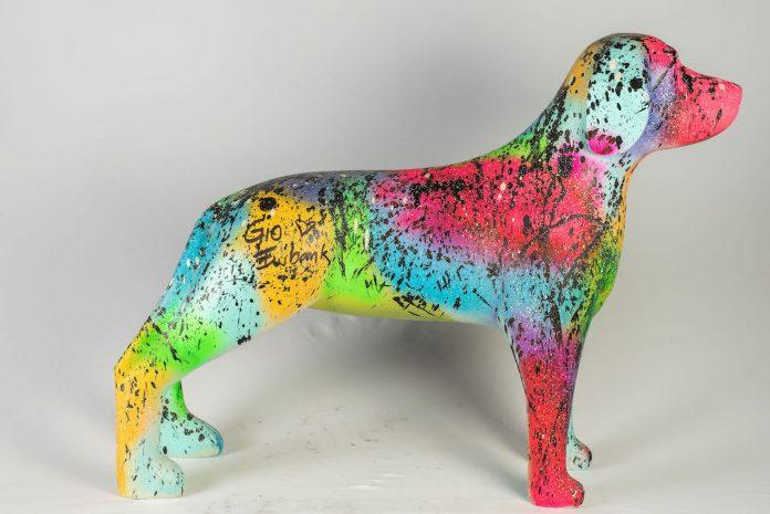 Uma das esculturas da exposição Dog Art, estilizada pela atriz Giovanna Ewbank - Foto - Art Dog - Divulgação