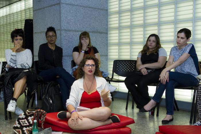 O Leia Mulheres promove leituras de livros escritos por mulheres