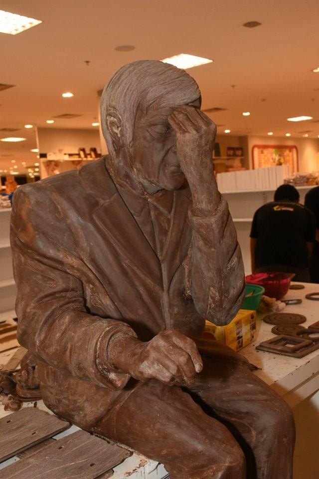 A estátua de chocolate de Chico Xavier
