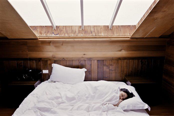 Dormir mais no fim de semana aumenta longevidade
