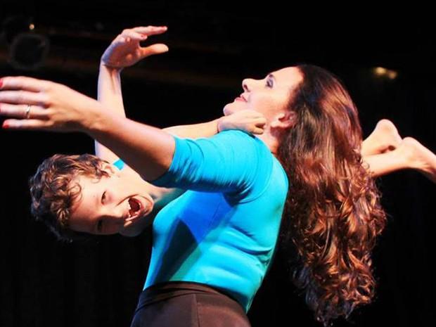 Karolina Cordeiro dança com Pedro