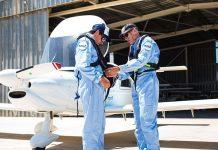 Pilotos compram avião para salvar refugiados