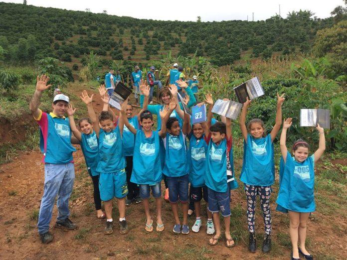 Estudantes de escolas estaduais de Minas vão apoiar iniciativa para preservação dos rios. Foto - Divulgação - Movimento Todos pelo Rio Doce