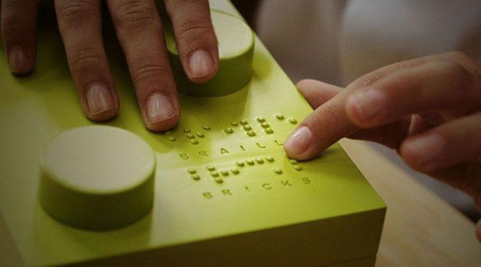 Lego lança peças para alfabetizar deficientes visuais