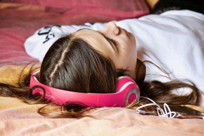 Ouvir música reduz a ansiedade