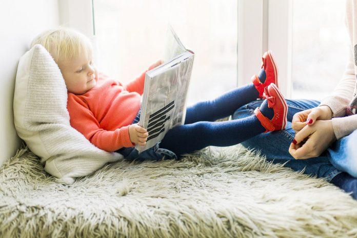 Campanha Leia para uma criança distribui livros