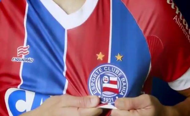 Torcedores têm acesso a camisas oficiais de clubes