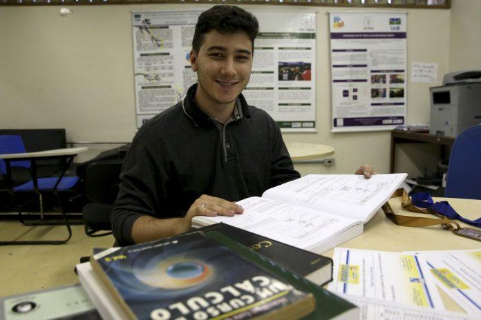 Rafael Ferreira lançou vaquinha on-line para estudar nos EUA