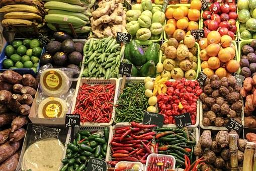Consumo regular de frutas e legumes poderia ter reduzido milhões de mortes em todo o mundo, diz estudo.