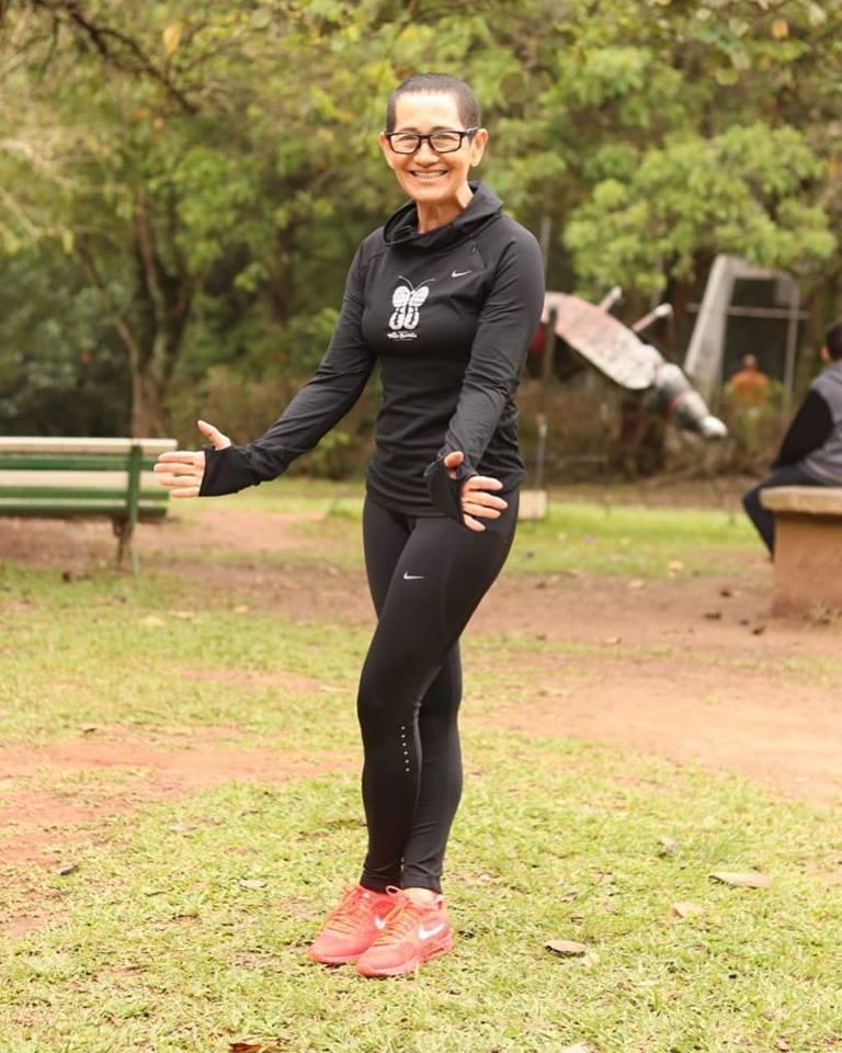 Neide Santos, que é também costureira, criou o projeto Vida Corrida para ajudar as crianças da comunidade onde vive.