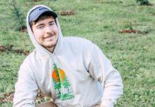 Youtuber americano Jimmy Donaldson, 21 anos, lidera uma campanha para levantar 20 milhões de dólares para plantar 20 milhões de árvores em todo o mundo. Fotos - Site TeamTrees