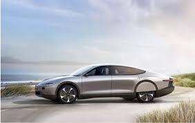 O primeiro carro movido a energia solar do mundo