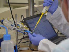 Universidade Federal de Uberlândia desenvolve teste rápido para a Covid-19, que usa saliva e dá resultado em dois minutos. Fotos - Alexandre Santos-UFU