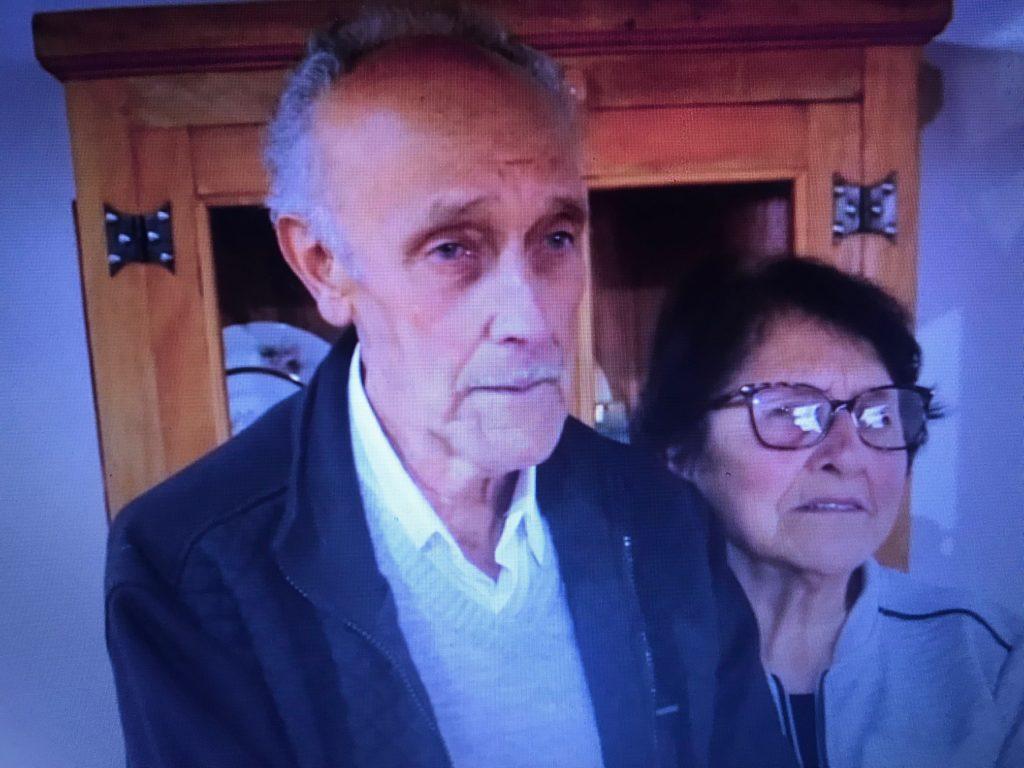 Sr. Alcindo e Dona Ondina, já recuperados da Covid-19, agradecem os profissionais de saúde. Foto - Reprodução-Facebook-Hospital Samuel Libânio